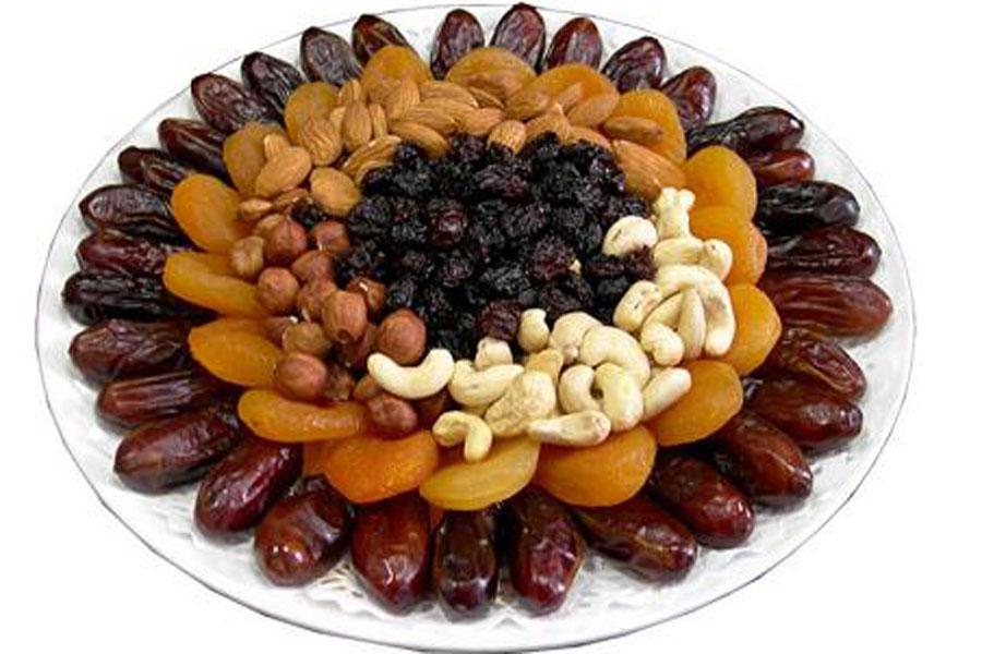 Орехи закуска под коньяк, сухофрукты