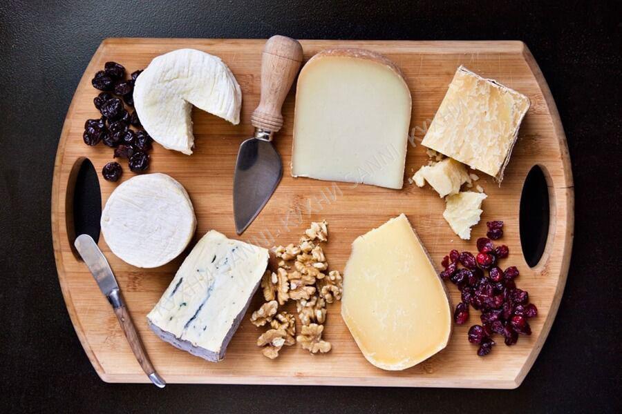 Сырная тарелка закуска под коньяк